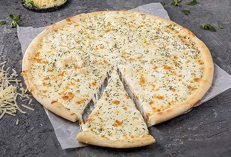 Четыре сыра на тонком тесте