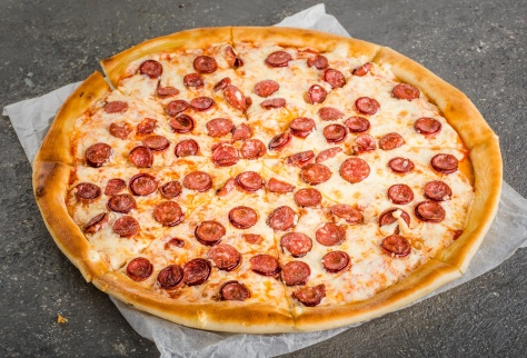 Пицца Бавария на традиционном тесте