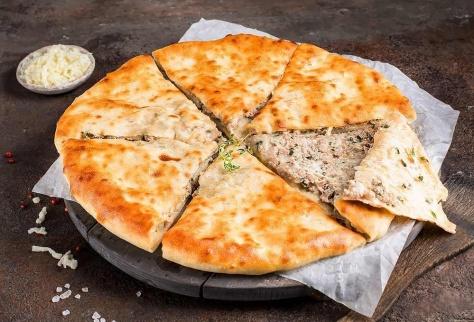 Осетинский пирог с говядиной и сыром
